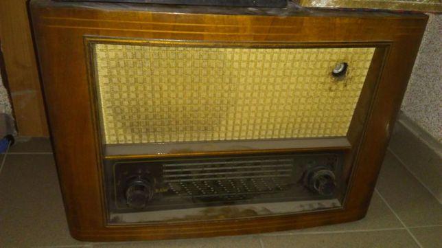 Stare sprawne radio lampowe