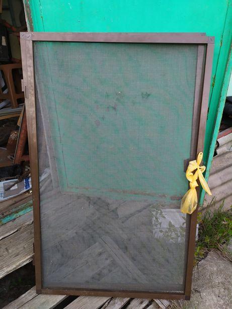 Москитная сетка на окно на петлях коричневая б.у