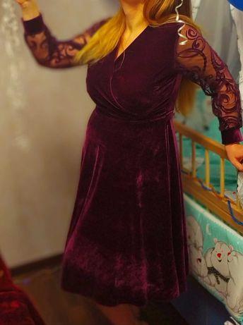 Вельтветова сукня в ідеальному стані