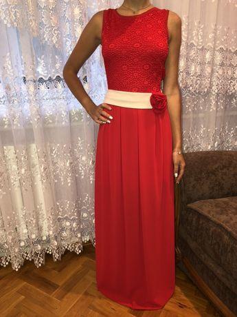 сукня колір червоний