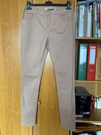 Beżowe spodnie