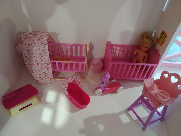 Детская комната для малышей Барби