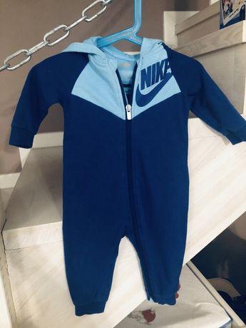 Nike kombinezon dresowy 68-74