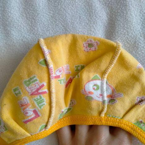 Шапочки для новонародженої дівчинки