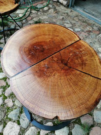 Stolik kawowy z drewna i żywicy epoksydowej