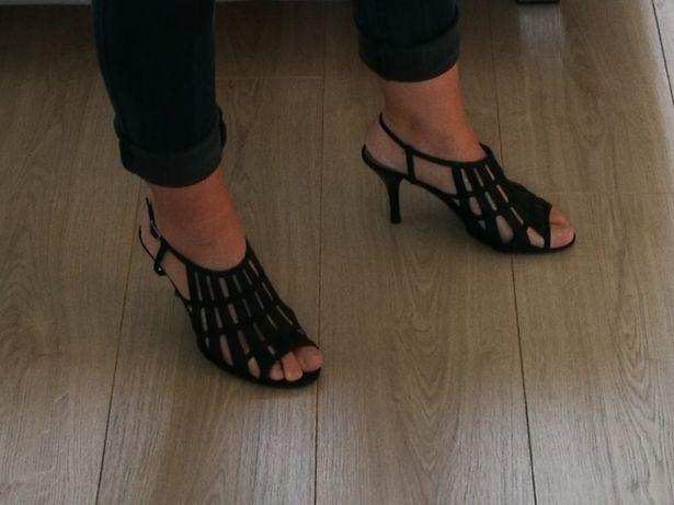 Sandałki na szpilkach 36 czarne