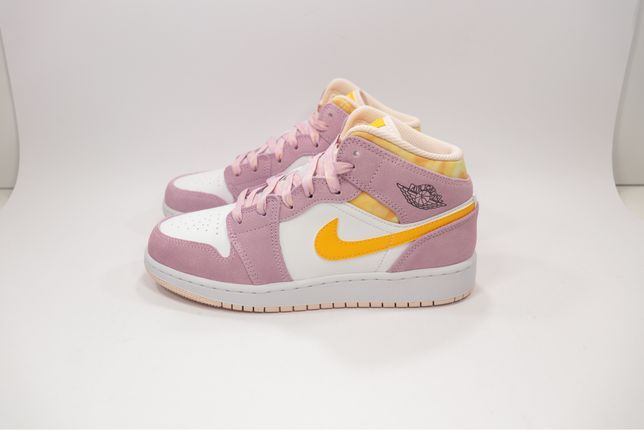 Jordan 1 Mid Cherry Blossom / Artic Pink