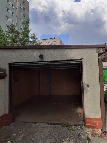 Wynajme garaż murowany z uchylna bramą na zamykanej posesji