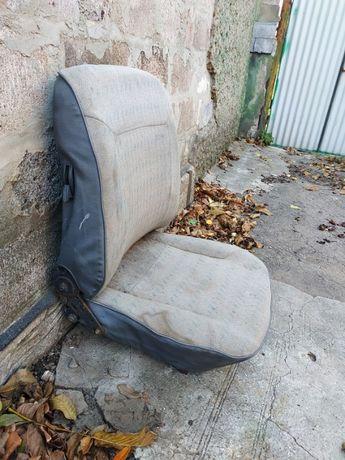 Пассажирское сиденье на автомобиль Таврия