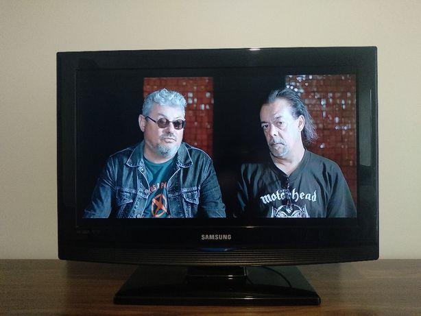 TV Samsung LE26B350F1W + comando universal