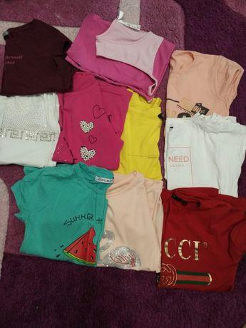 Продам футболки для дівчинки.