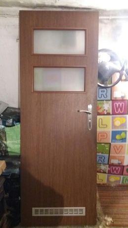 Drzwi łazienkowe 70 z zamkiem łazienkowym