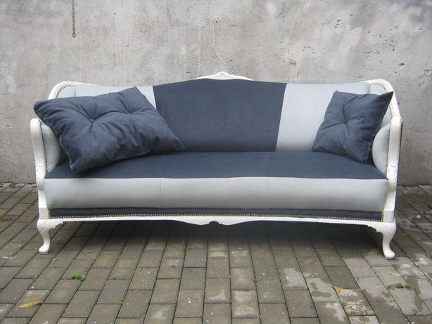 Stylowa sofa ludwik po renowacji.