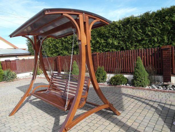 huśtawka ogrodowa drewniana, meble ogrodowe, fotel bujany, leżak