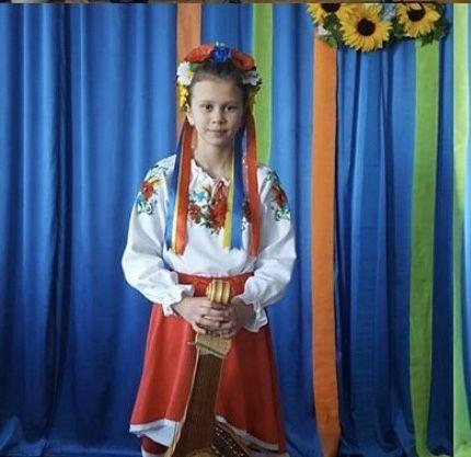 Спідниця червона в українському стилі на дівчинку 8-12рокі