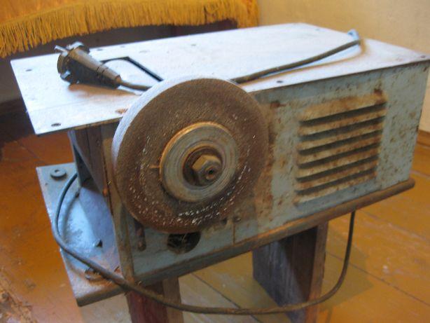 2 в 1: Деревообробний станок УБДН-2 та токарно-фрезерний станок
