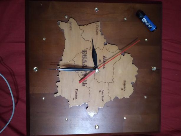 Часы Беларусь,настенные работают хорошо, размер 30*30см с камешками.