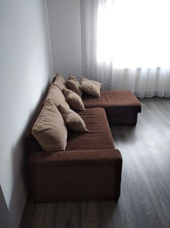 Kanapa narożnik rozkładany brązowy beżowy poduszki z poduszkami