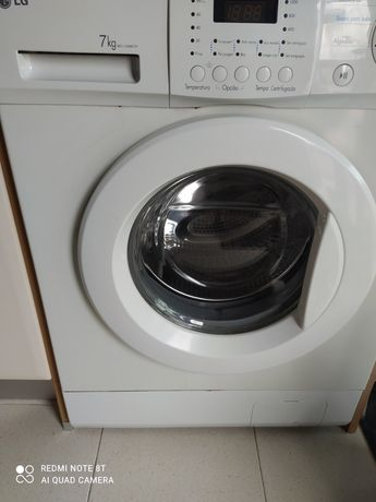 Máquina de lavar roupa LG