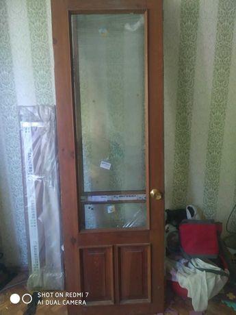 отдам деревянную дверь