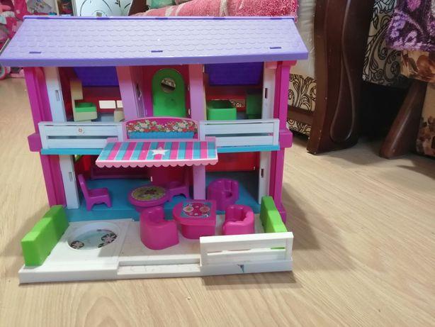 Продам домик для кукол фирмы Wader