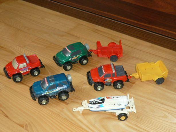 Samochodziki z przyczepami