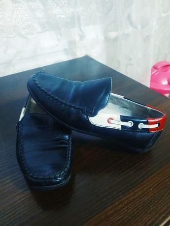 Туфли мокасины мальчику. 31размер