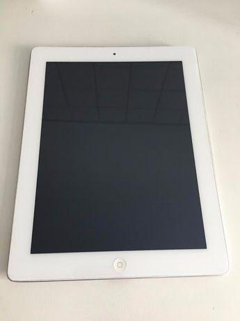 iPad 2 com carregador.