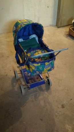 Wózek dla lalek .