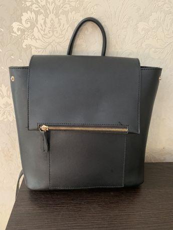 Сумка-рюкзак чорний колір