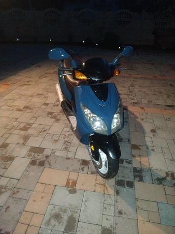 Продам скутер доброму стані