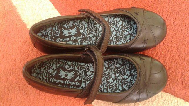 Туфли для девочки чёрные
