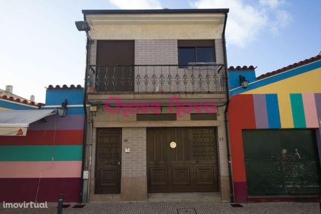 Moradia T2 c/ Garagem na Afurada à Marina do Douro