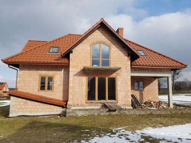 Dom w budowie i budynek gospodarczy Salomin Gościeradów