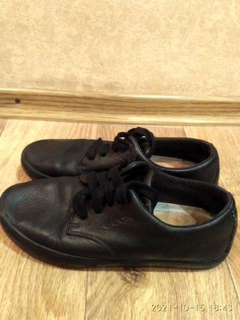 Кожаные кроссовки Geox 23,5 по стельке