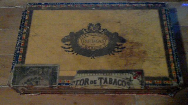 Продам коробку из под 25 кубинских сигар 60х годов Partagas Cabana