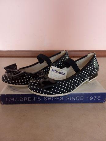 Продам туфли кожаные для девочки