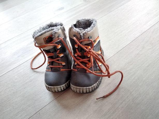 Buty chłopięce - dziecięce - zimowe, rozm. 22