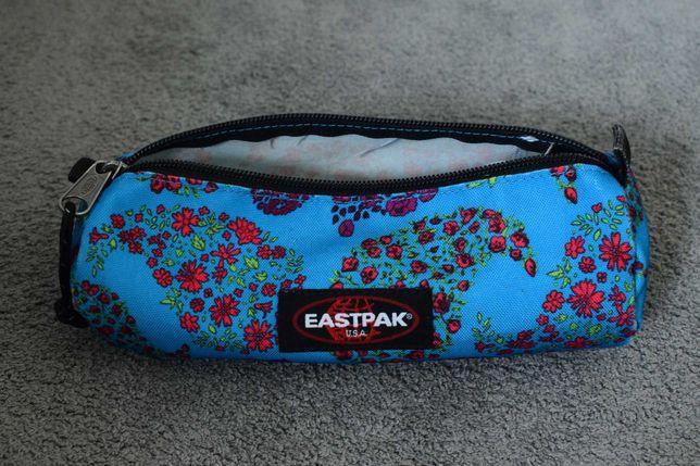 Estojo Eastpack (usado mas em excelente estado)
