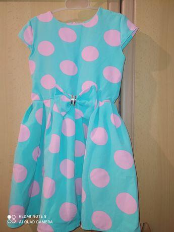 Продам платье на 2-3 года.