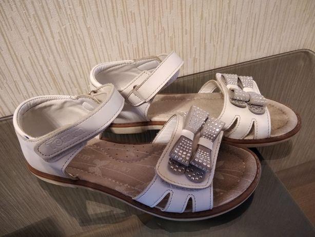 Продам  обувь Tomm р.33