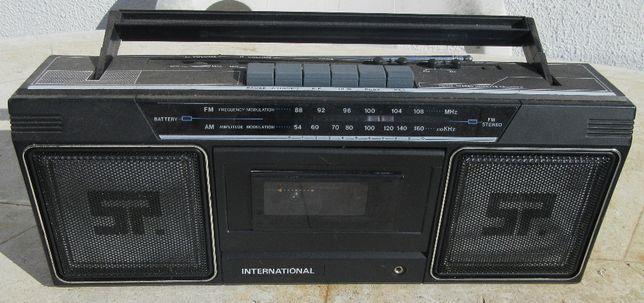 Vende-se Rádio Cassetes