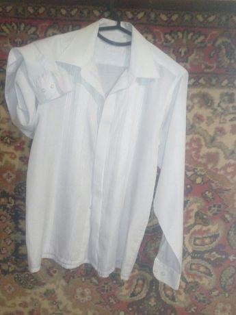 Продаю школьную рубашку и пиджак,на мальчика 6-7 класс.150р