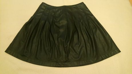 Spódnica rozkloszowana z eco skóry roz. M/38