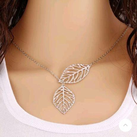 Łańcuszek z motywem liści w kolorze srebrnym