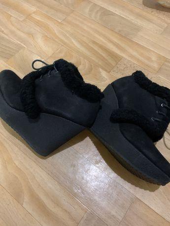Ботинки и сапоги. 35 размер