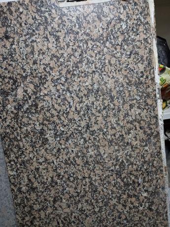 2 pedras de granito