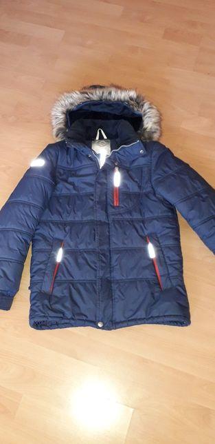 Продам зимнюю куртку для мальчика