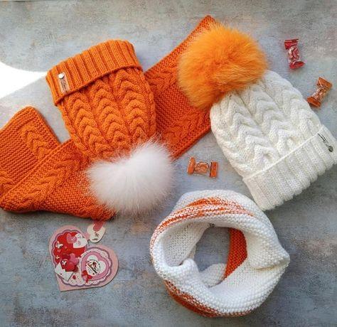 Детская вязаная шапочка и снуд зимняя с помпоном ручная работа