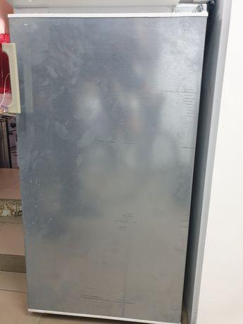 Холодильник Constructa